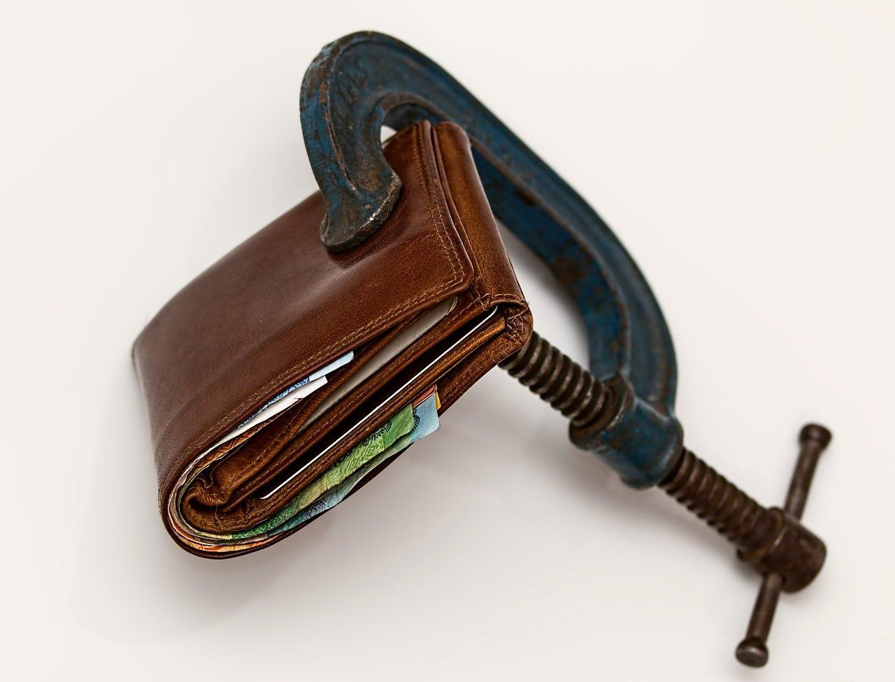 Jak uniknąć zadłużenia na karcie?